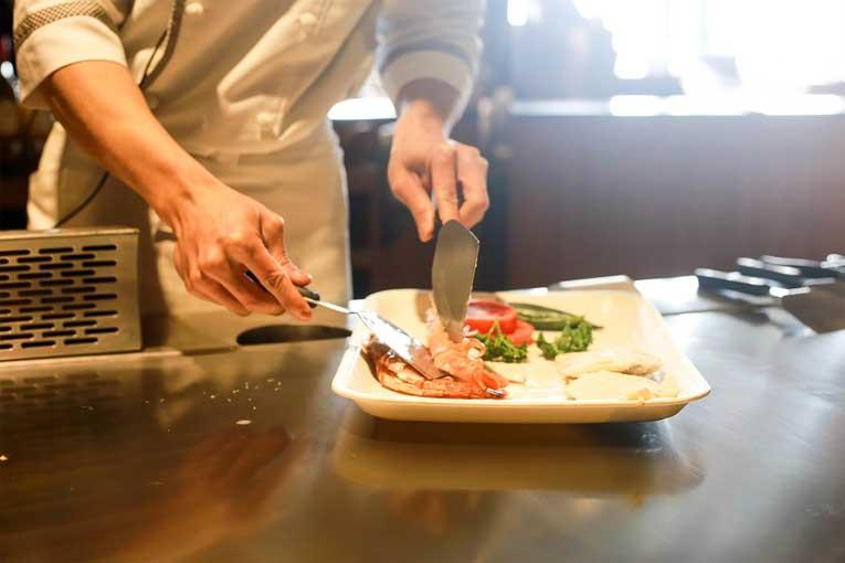 ozono para evitar la contaminación cruzada en restaurantes