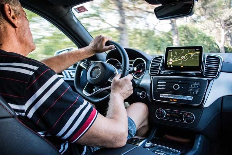 ¿Cómo eliminar malos olores en coches con ozono?