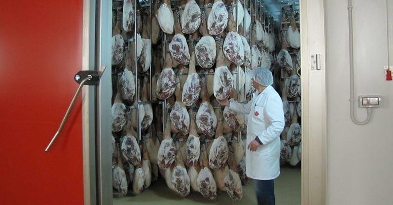 Desinfección y conservación de la carne en cámaras frigoríficas