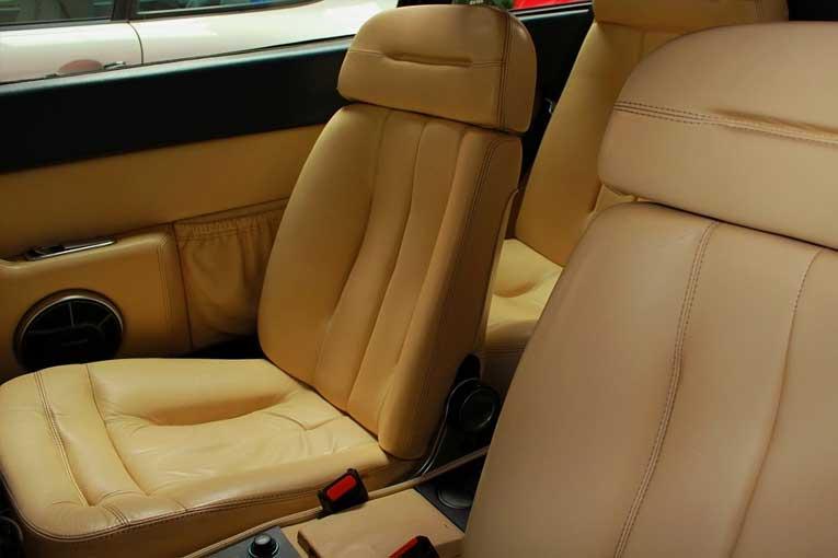 Eiminación de olores en coches con un generador de ozono