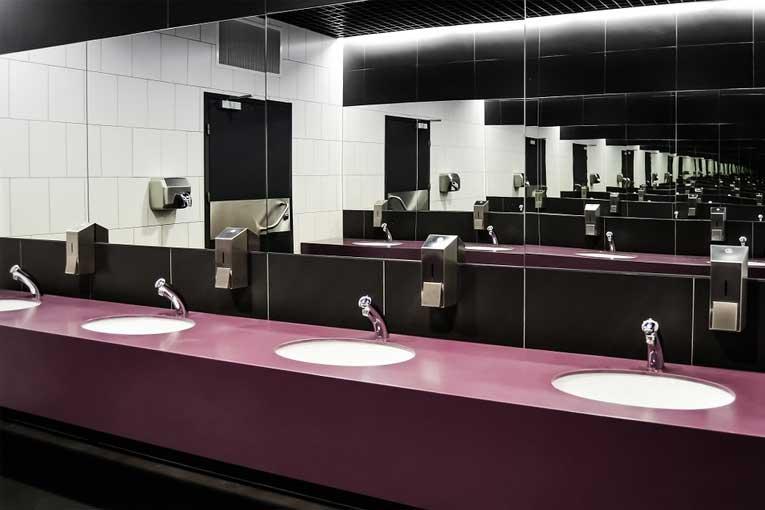 olores en baños de restaurantes