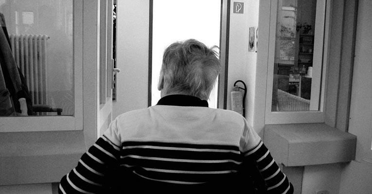 ¿Cómo desinfectar geriátricos y residencias?