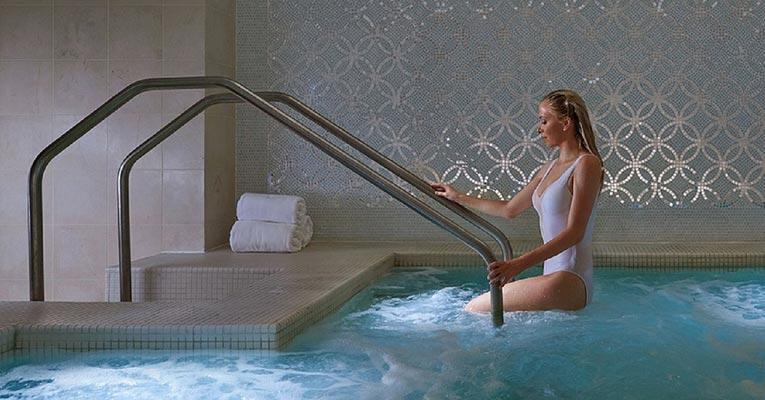 ¿Cómo desinfectar piscinas, balnearios y spas?