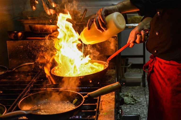 ¿Cómo desinfectar una cocina con generadores de ozono?