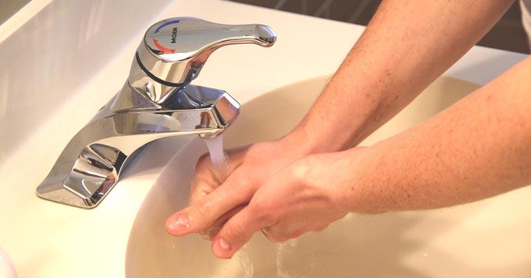 Estudio: lavado de manos y boca con agua con ozono